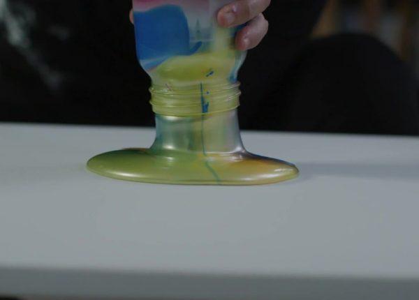 Iridescent Pouring Medium